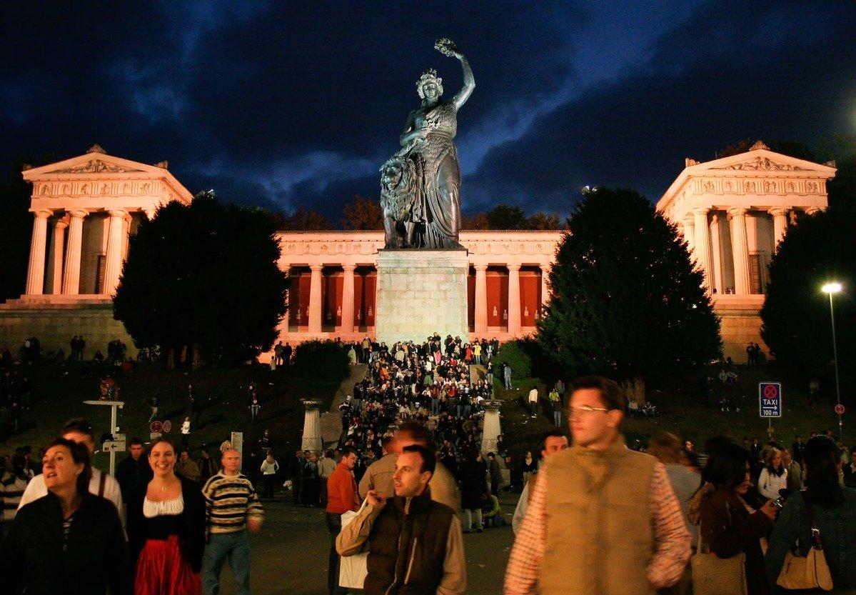 statua della bavaria oktoberfest